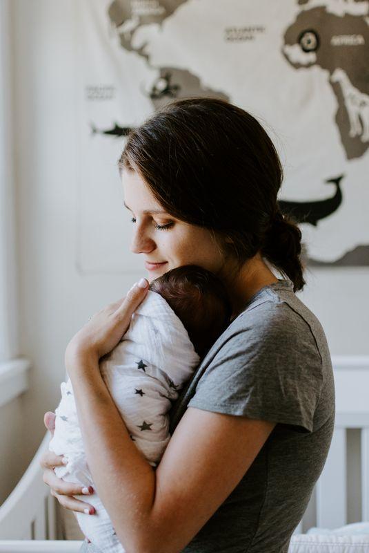Τα καλύτερα και τα… χειρότερα πράγματα τις πρώτες βδομάδες με το νεογέννητο