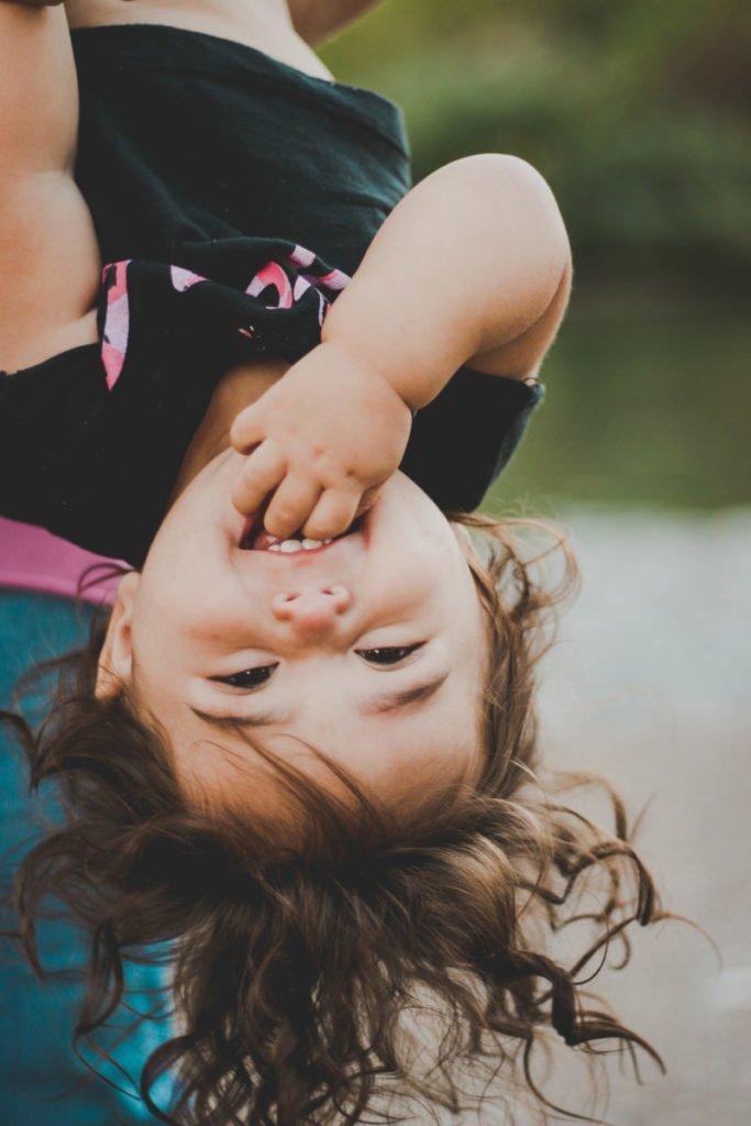 6 Συμβουλές για την ενθάρρυνση της πρώτης γλώσσας στα παιδιά.