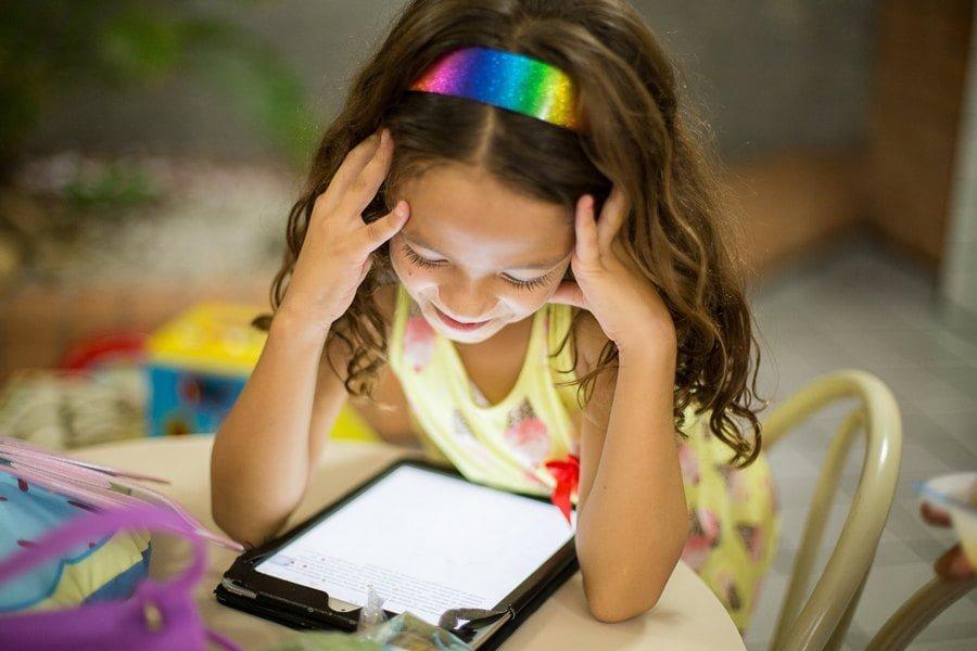 Προτάσεις για ποιοτικό χρόνο μπροστά στην οθόνη για παιδιά και μεγάλους