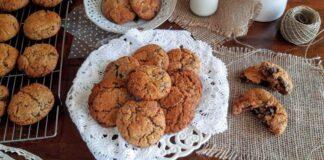 Cookies ολικής με μέλι και σοκολάτα